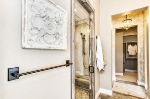 043_Master-Shower-Walk-In-Closet