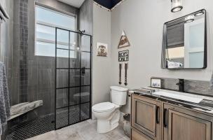 045-Bathroom