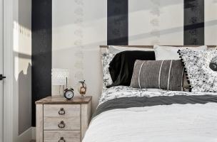 055-Bedroom