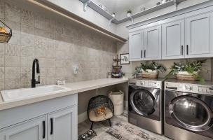 081-Laundry